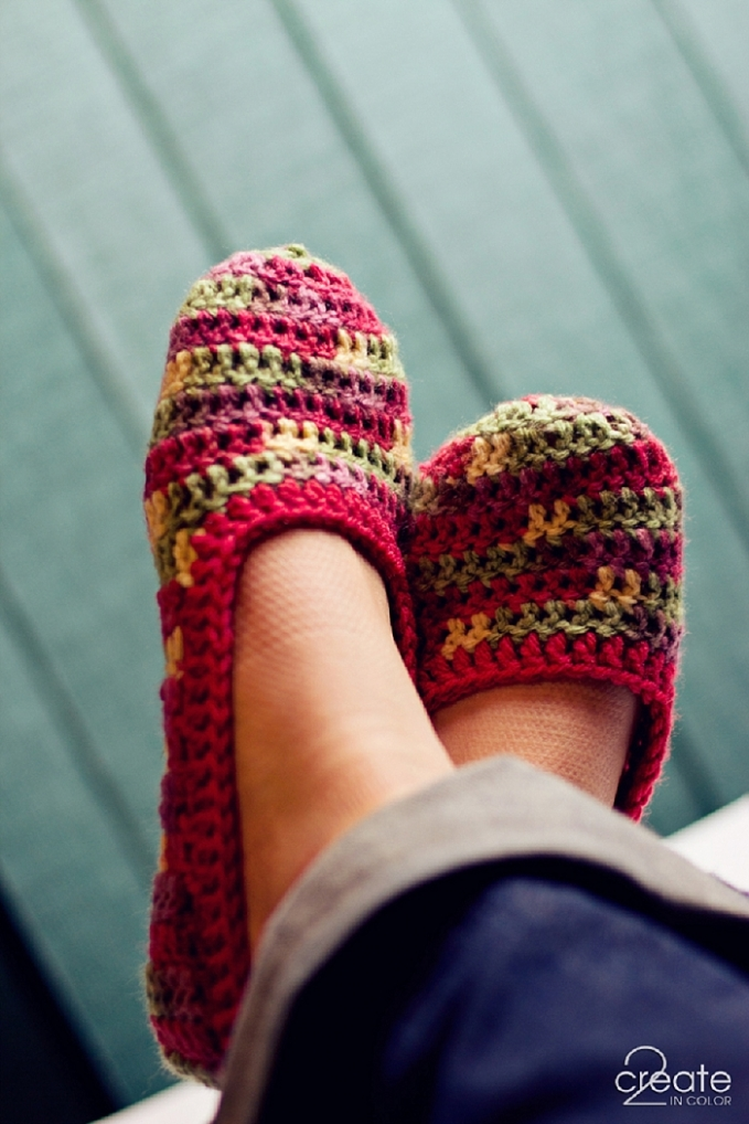 BASIC Crochet Slipper Pattern » 2Create in Color
